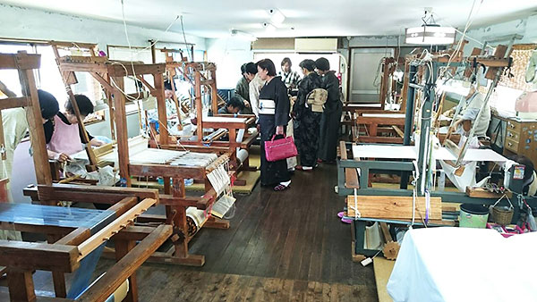 大島紬工場見学風景画像2