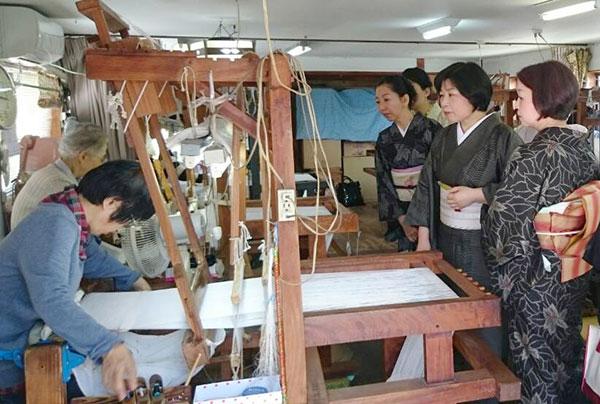 大島紬工場見学風景画像4