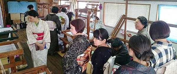 大島紬工場見学風景画像6